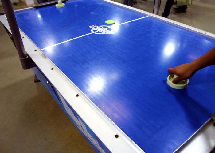 Large air hockey 3